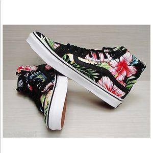 Vans Hawaiian Floral hi-tops 🌺